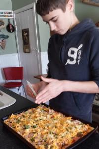fi-Making-pizza-2